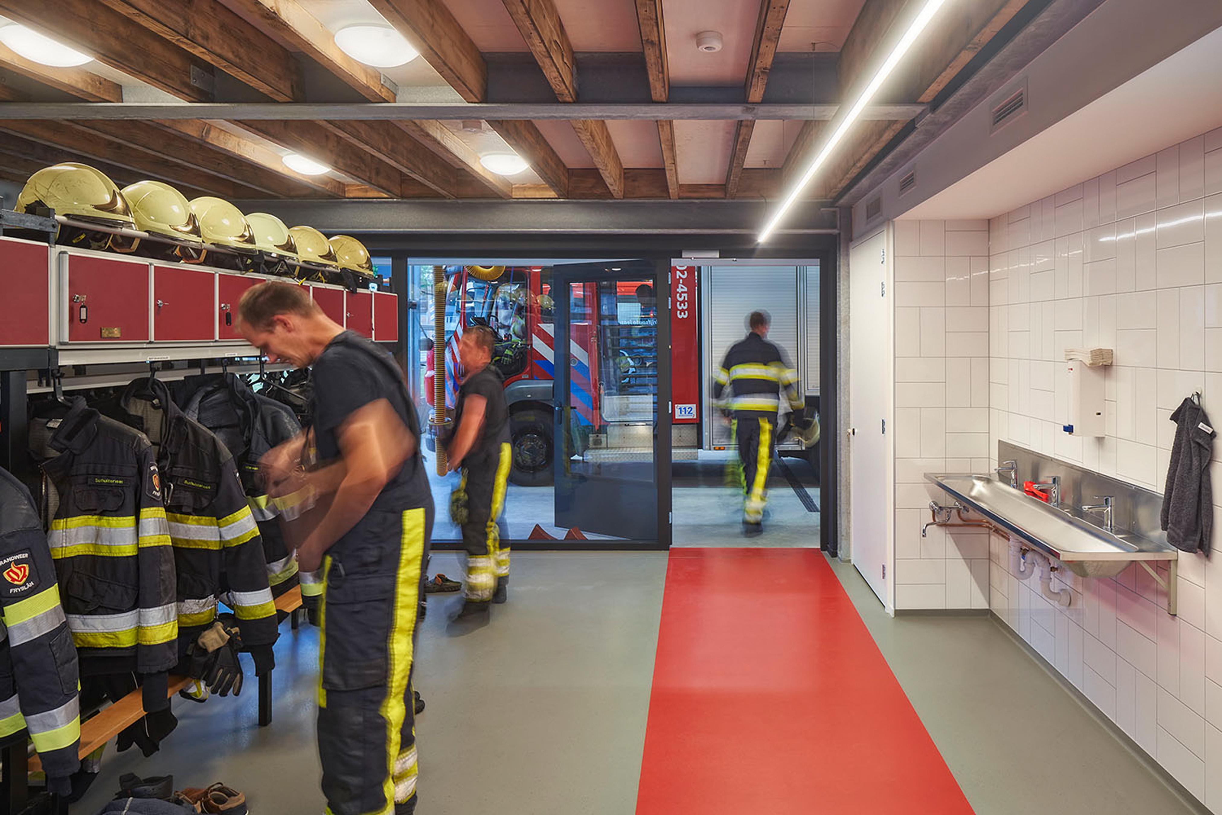 JOUS_brandweerkazerne Surhuisterveen 7